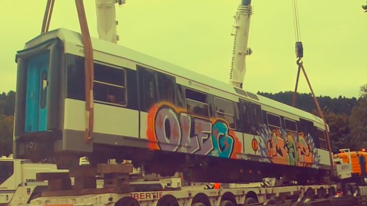 Tren bagoiak jarri dituzte Kurutziagako jolasgunean