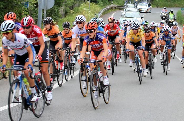 """Agustin Ruiz: """"Bizkaia-Durangoko eta Sopelako neskek ez dute mailarik Women World Tour mailako itzuli batean aritzeko"""""""