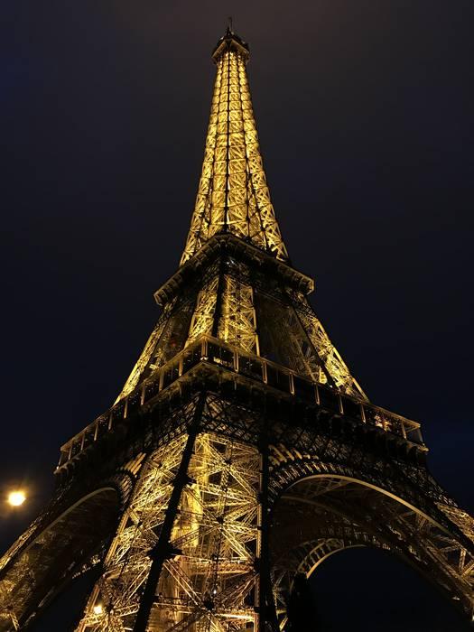 Parisen Eiffel Dorrea gauez
