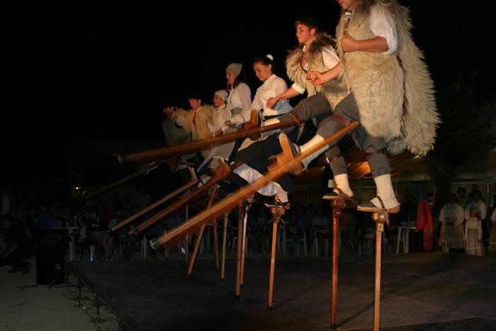 Landetako hankapaluak eta Eugiko dantzariak, 'Durangon Folk'-en eskutik