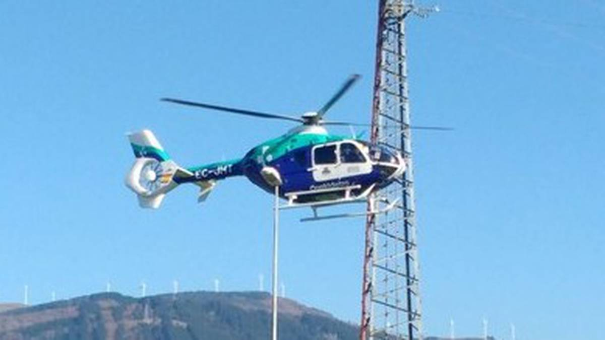 Mendizale batek Urkiolamendiko jaitsieran orkatilan min hartu du eta helikopteroan ospitalera eraman dute