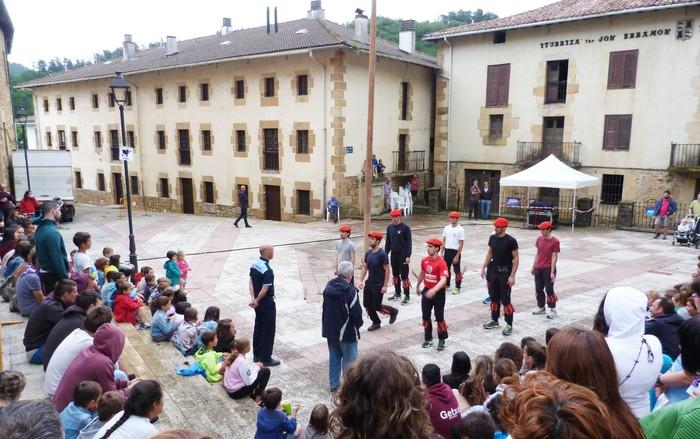 San Pedro eta Santa Isabel jaietako dantzarien aukeraketa egingo dute barikuan