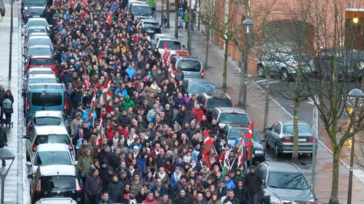 GALERIA: Bellonen aldeko eta espetxe politikaren kontrako aldarriek bete dute Elorrio