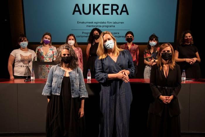 Ainhoa Olasoren 'Hemen bizi da maitasuna' Aukera programarako hautatu dute