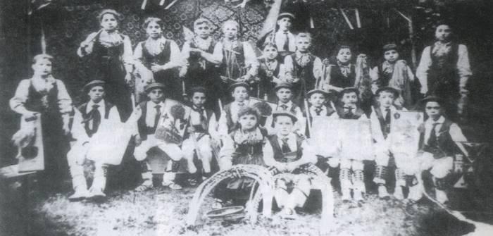 Durangoko dantzariak orain 120 urte