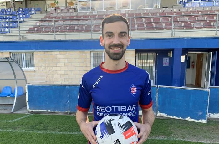 Ekaitz Molinak Gernika futbol taldeagaz fitxatu du