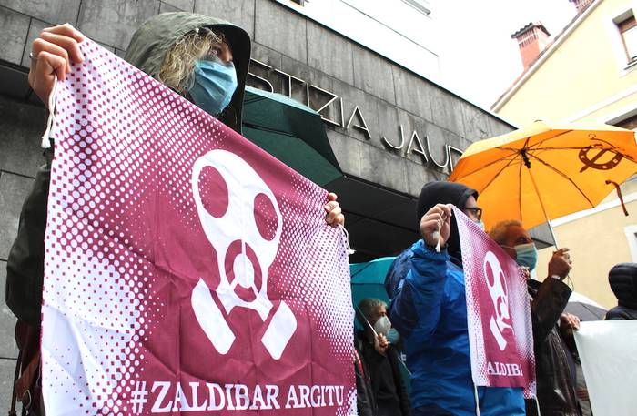 Zaldibar Argitu eta Euskal Herriko Eskubide Sozialen Karta herri akusazio gisa aurkeztuko dira  Zaldibarko zabortegiaren gaineko epaiketan