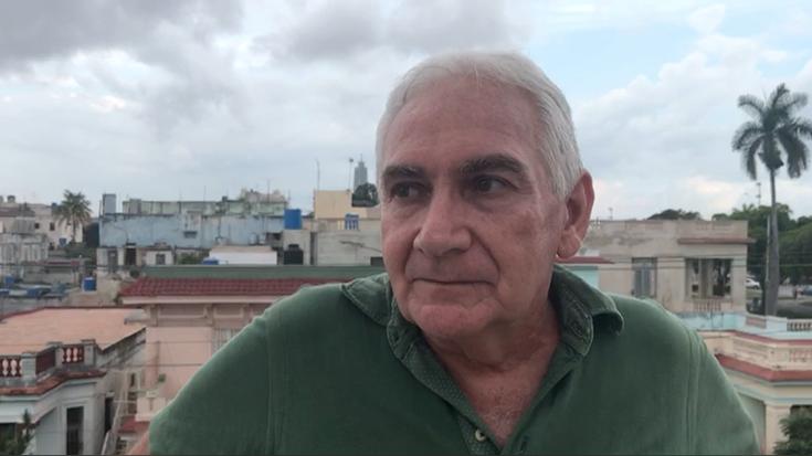[BIDEOA] Joseba Sarrionandiak bideoa grabatu du bere azken proiektuko crowdfundinga sustatzeko