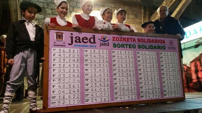 36.881 zenbakidun txartelak irabazi du JAED elkartearen zozketako lehen saria