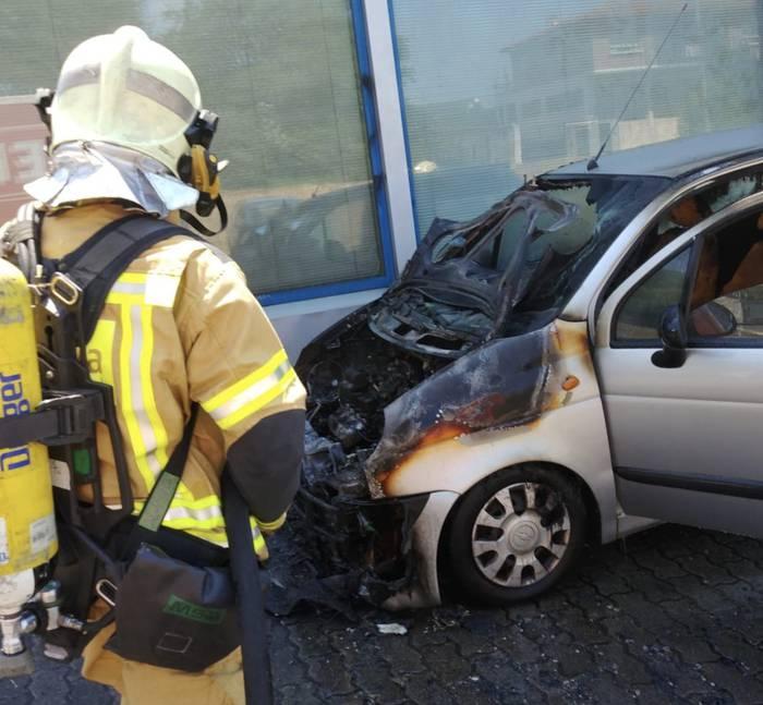 Auto batek su hartu du Berrizen, Eituako industrigunean