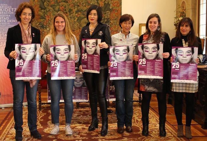 Durangoko alderdi guztietako emakumeak batu dira indarkeria sexistaren aurka