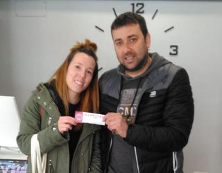 Amaia Lopezek irabazi du Abadiño Merkatari aplikazioaren erabiltzaileen artean banaturiko saria