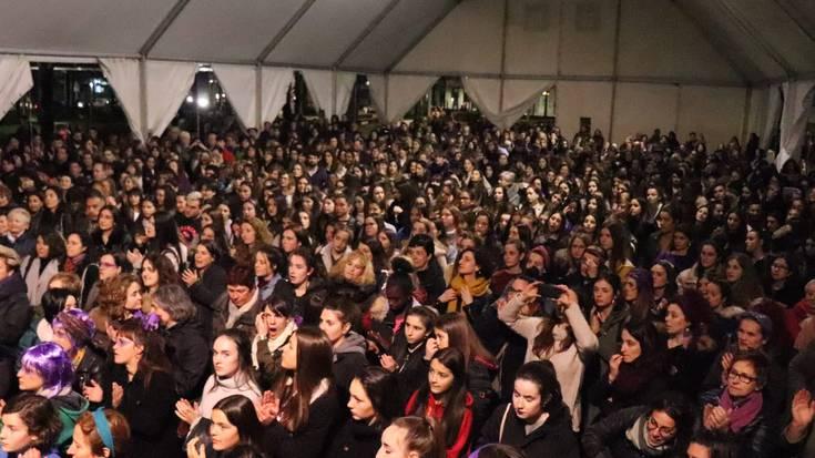 Zornotzako emakume baten aurkako eraso matxista salatzeko kazerolada deitu dute