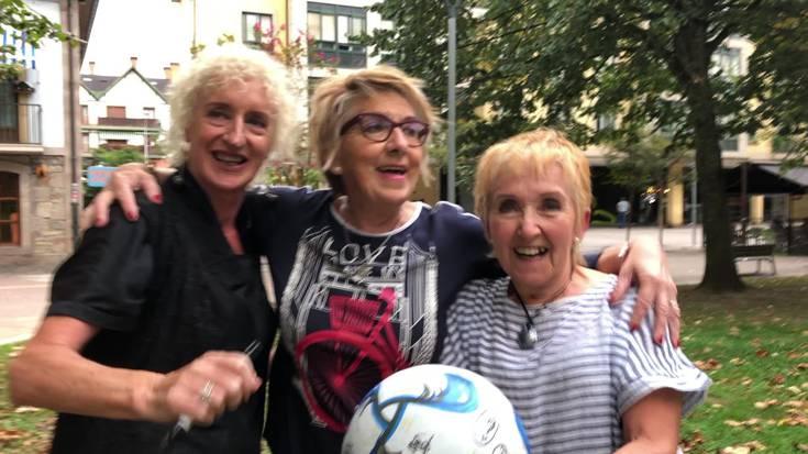[BIDEOA] 50 urteren ostean, berriro ere futbolean aritu dira aitzindari izandako emakumeak