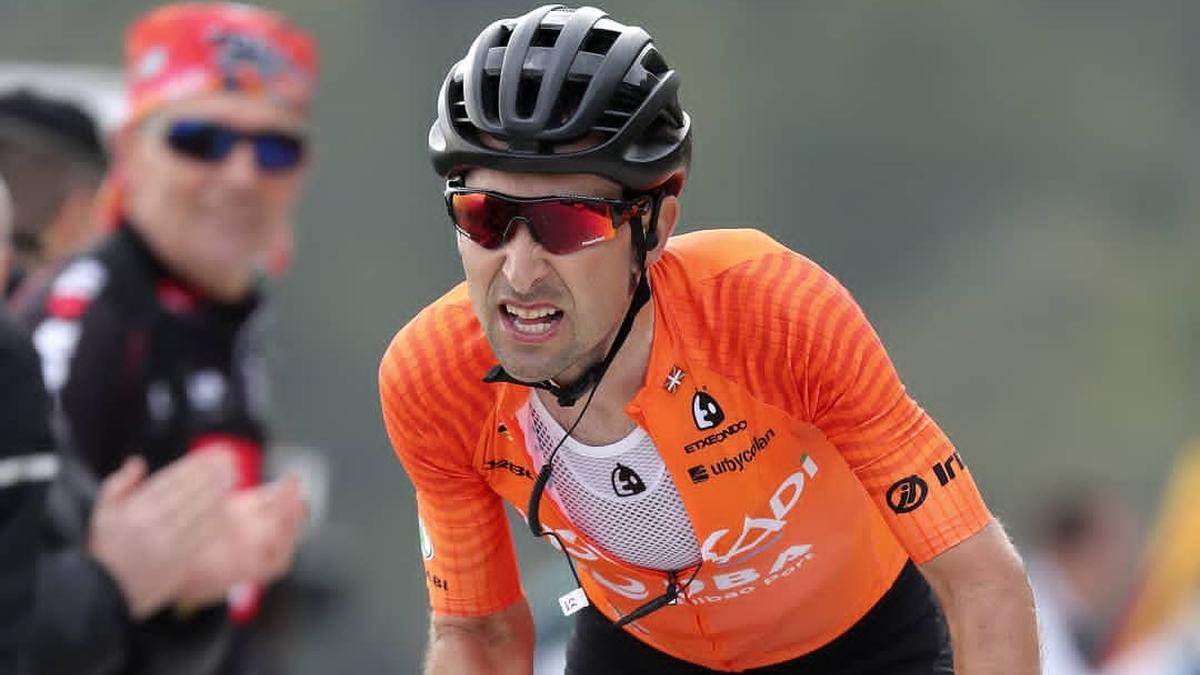 Mikel Bizkarrak beste hiru urterako luzatu du kontratua Euskadi Fundazioa taldearekin