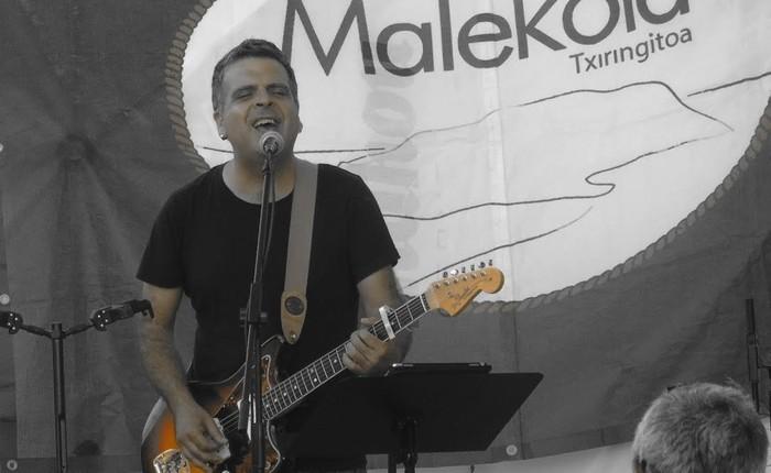 Rafa Rueda eta Gotzon Barandiaranek literatura eta musika uztartuko dituzte Mekoletako kantu afarian