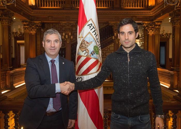 Xabier Etxeitak kontratua berritu du Athleticekin