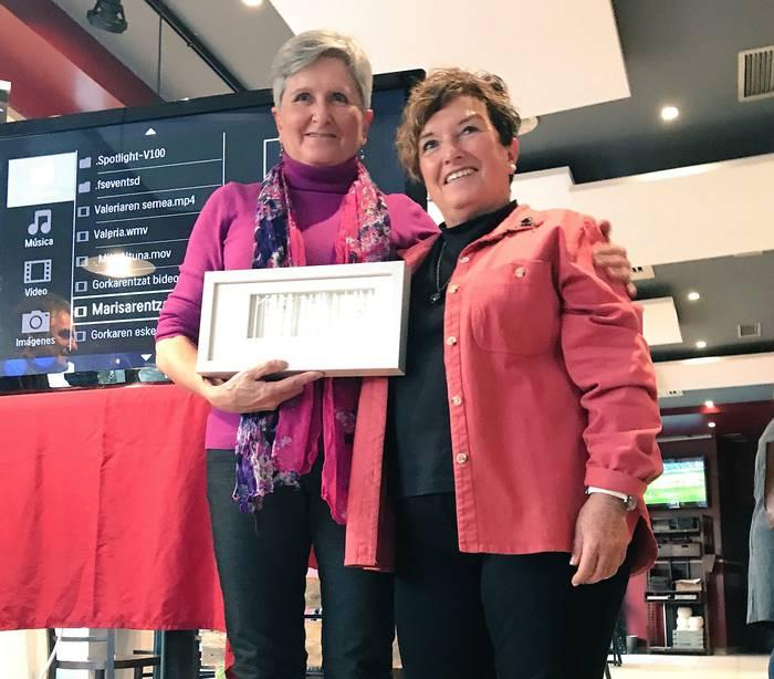 Bidelagun onenaren saria jaso du Marisa Barrenak