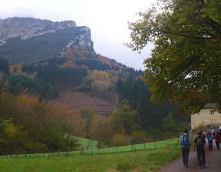 Bertan behera utzi dute Mañariako ermita inguruetatik egitekoa zen mendi martxa