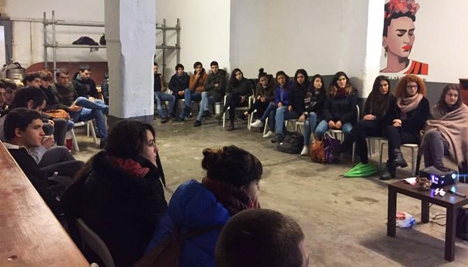 Etxebizitza Kontratu Herritarra bultzatu gura dute Durangoko gazteek