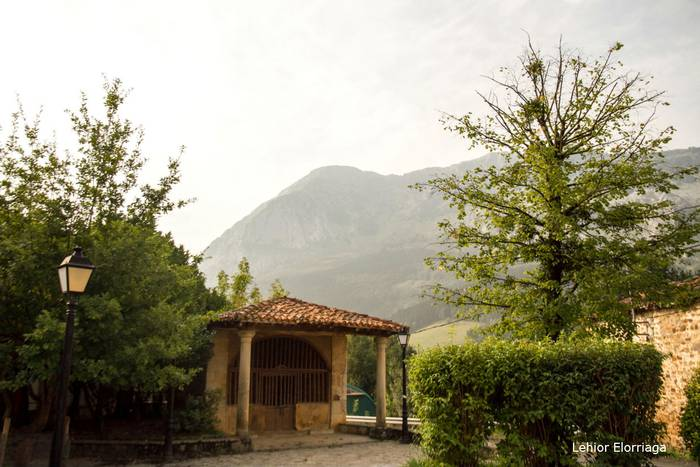 San Migel Ermita (Axpe)