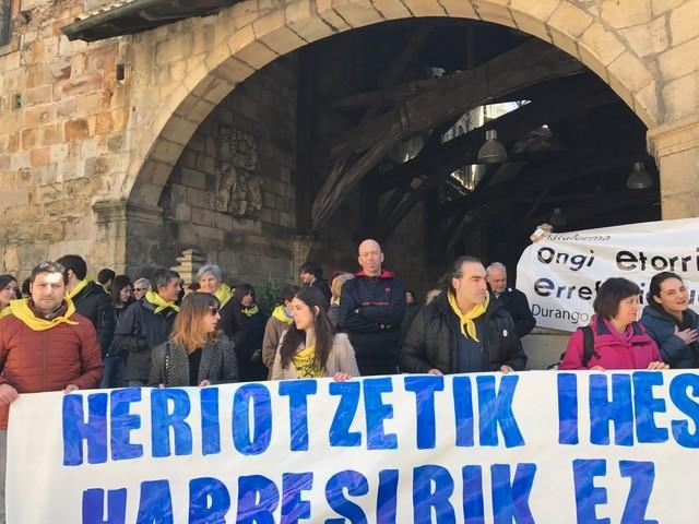 Errefuxiatu kurduek Durangotik alde egin dute