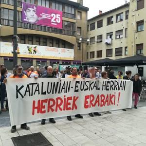 Durangaldean Kataluniako greba orokorra babestu dute sindikatuek deituta