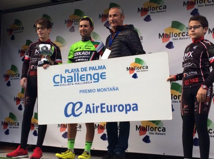 Mikel Bizkarrak mendiko saria irabazi du Mallorkako hirugarren etapan