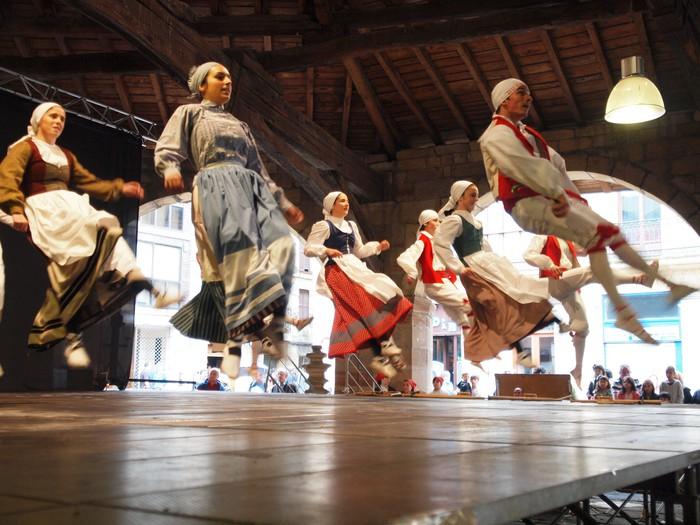 Durango Euskal Herriko dantzen erakusleiho izango da asteburuan