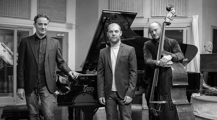 Jon Urrutia Trio