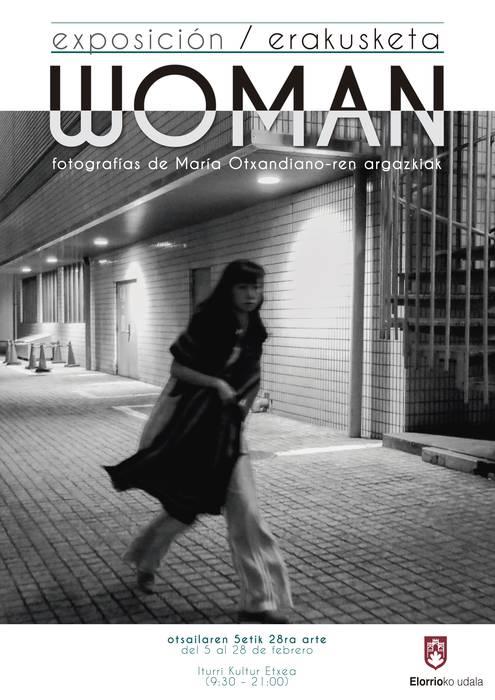 Woman erakusketa